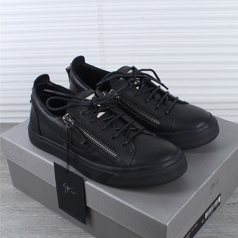 Low Top Leather Black Sneakers - PerfectKickZ